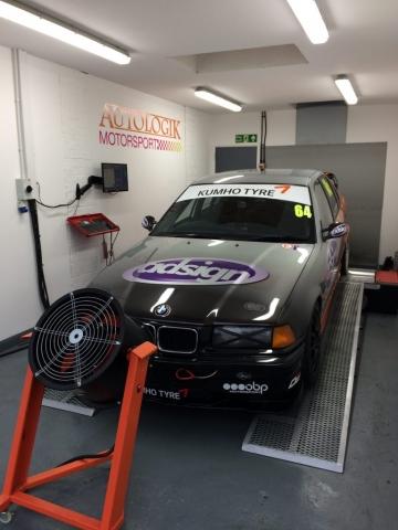 Autologik's Kumho BMW Racecar
